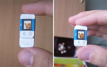 Small Nokia 5200 toy looks sooo cool