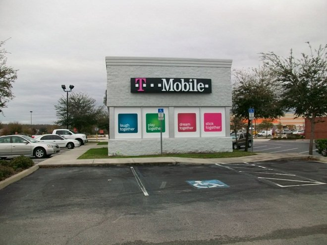 T-Mobile considers asset sales, LTE in a few years