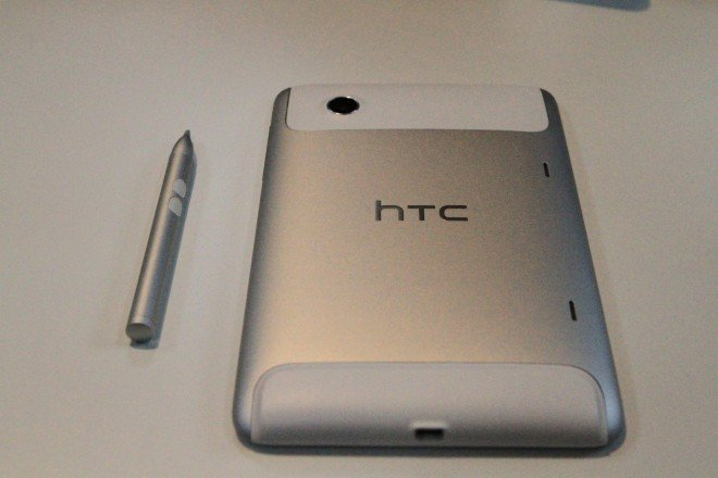 Hands-on HTC Flyer Android Gingerbread tablet with Sense UI and Scribe digitizer pen