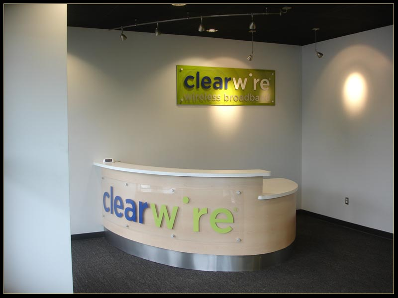 Clearwire has large loss as 4G competition grows