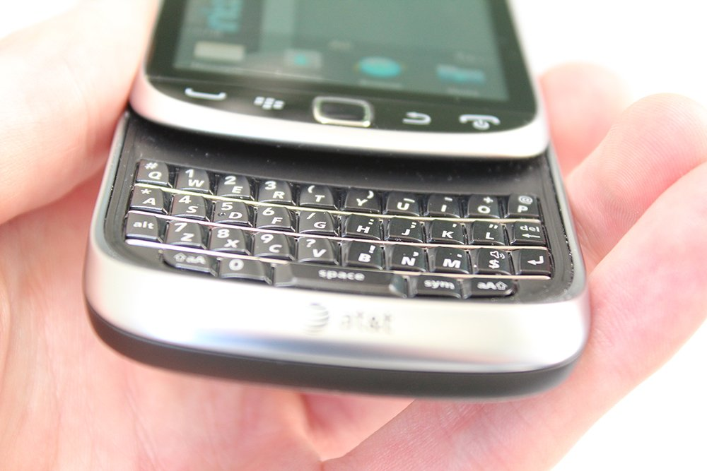 BlackBerry-9810-keyboard