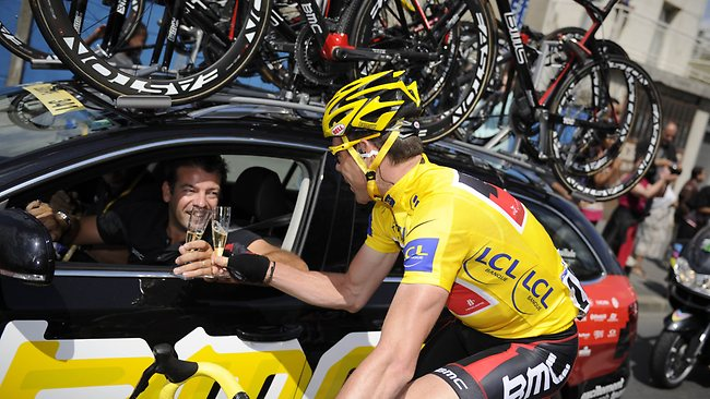 983770-cadel-evans-wins-the-tour-de-france