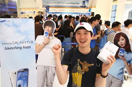 South Korea: Samsung Galaxy S III breaks sales record on launch day